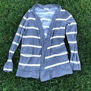 Old navy grey and white sweater